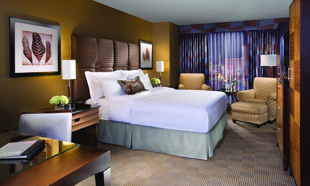 City View Featured Image Guestroom