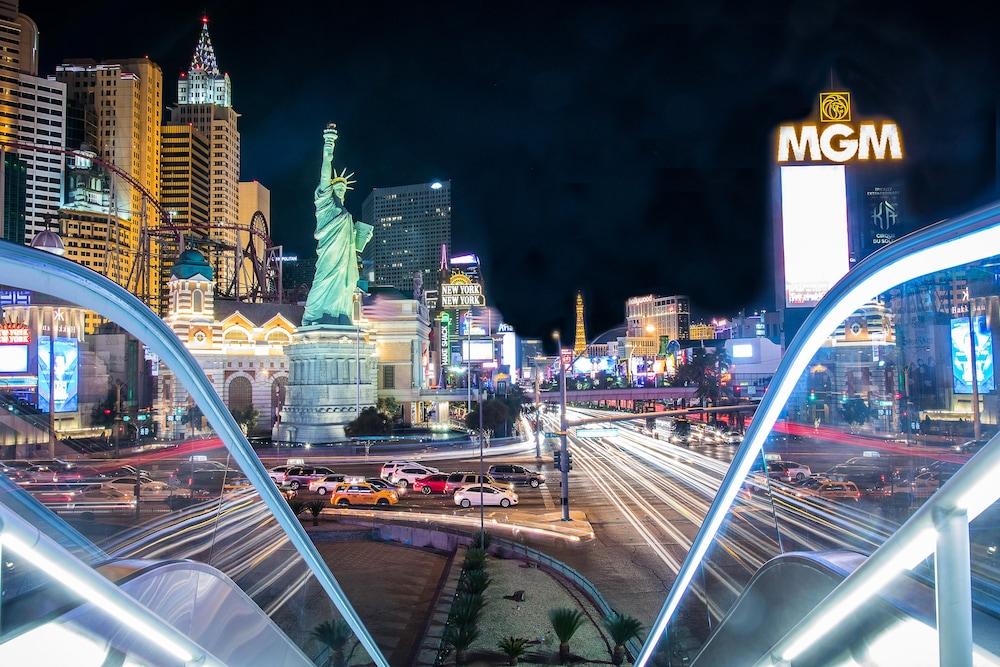 New York New York Hotel Casino Reviews Photos Rates