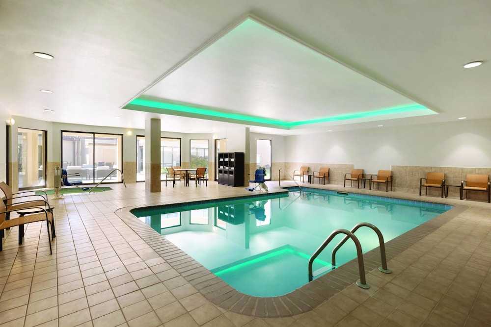 Indoor Pool, Courtyard by Marriott Charlotte Airport North