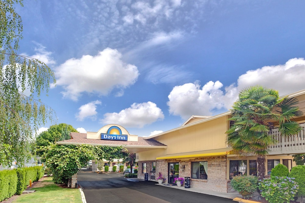 Days Inn by Wyndham Seattle South Tukwila in Seattle | Hotel