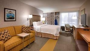 Roupas de cama premium, escrivaninha, cortinas blackout, berços grátis