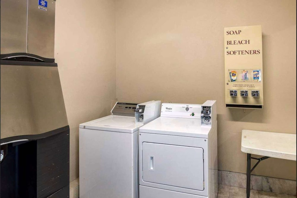 Laundry Room, Days Inn by Wyndham Fort Worth North / Fossil Creek