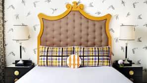 Frette Italian sheets, premium bedding, pillowtop beds, minibar