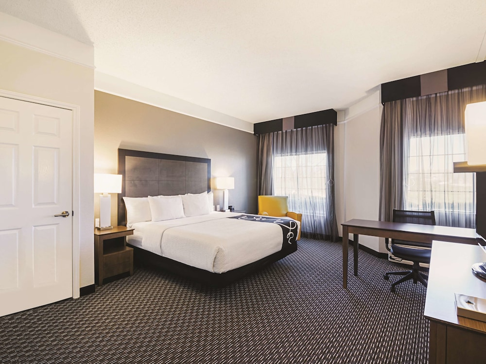 Room, La Quinta Inn & Suites by Wyndham Austin Near The Domain
