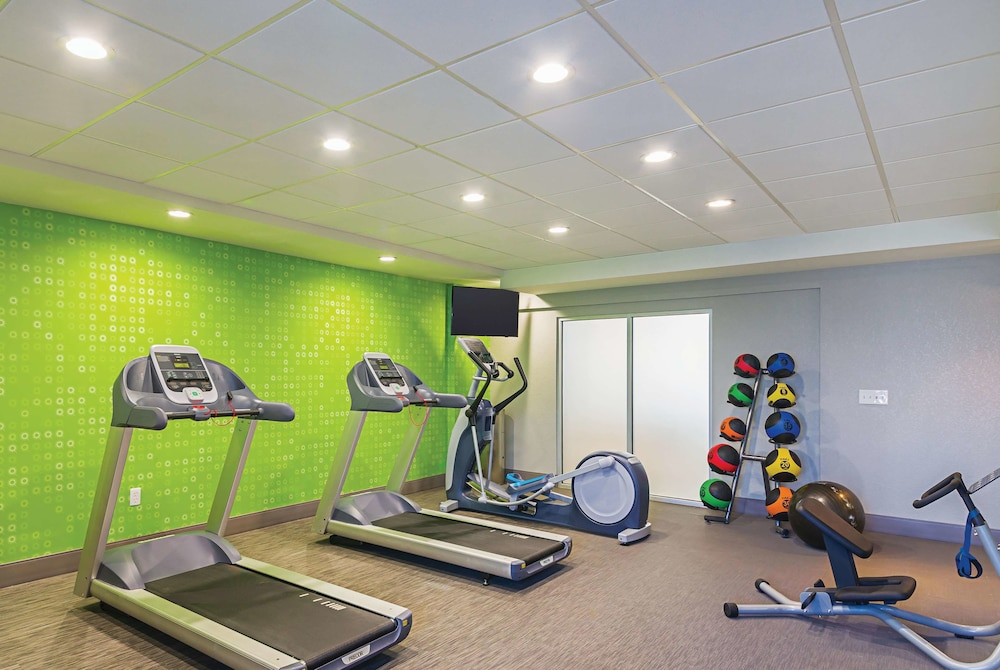 Fitness Facility, La Quinta Inn & Suites by Wyndham Austin Near The Domain