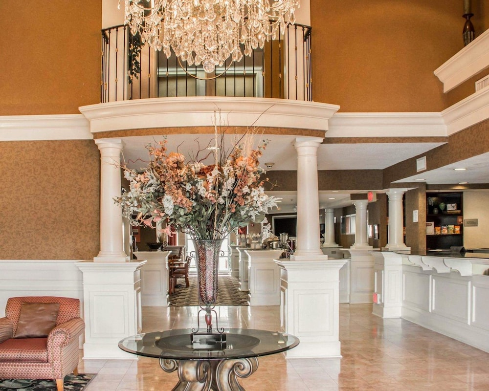 Lobby, Quality Suites