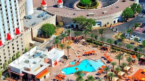 4 outdoor pools, open 10:00 AM to 5:00 PM, cabanas (surcharge)