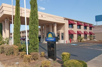 Days Inn Market Center Dallas
