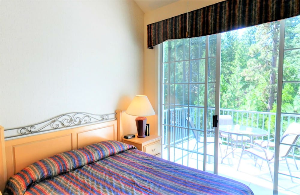 Room, North Bay at Lake Arrowhead