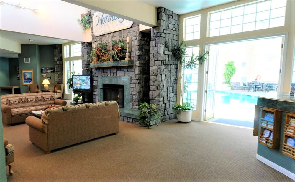 Lobby, North Bay at Lake Arrowhead