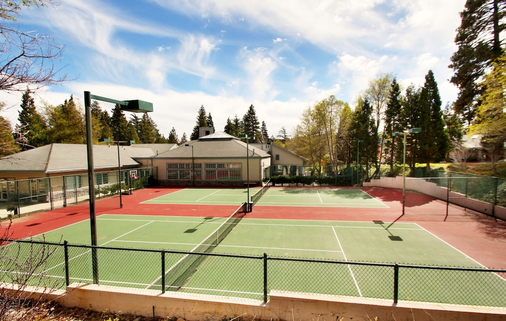 Tennis Court, North Bay at Lake Arrowhead