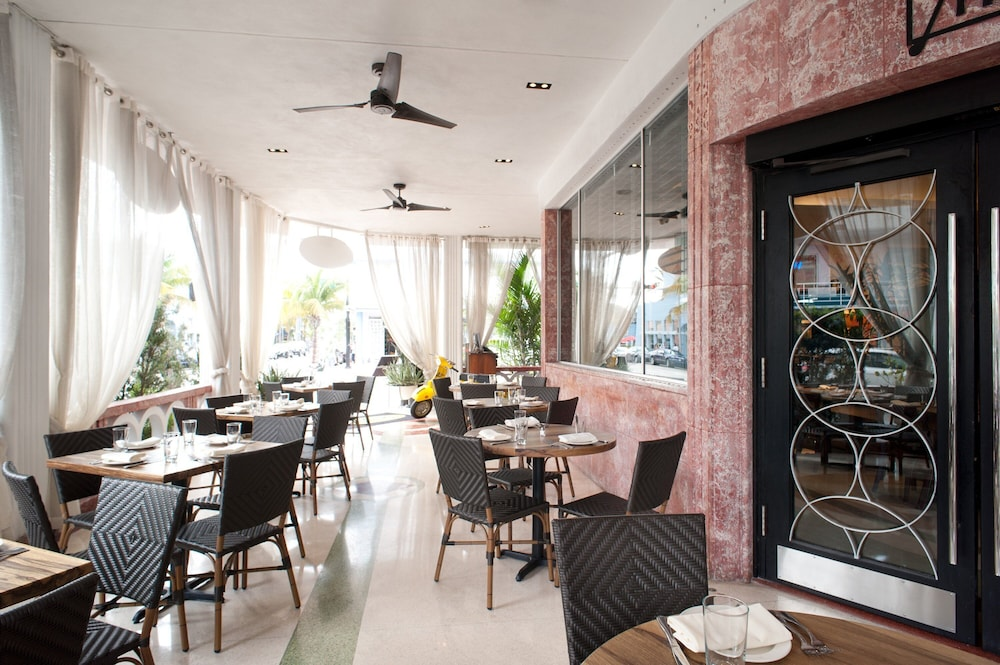 Restaurant, Dream South Beach