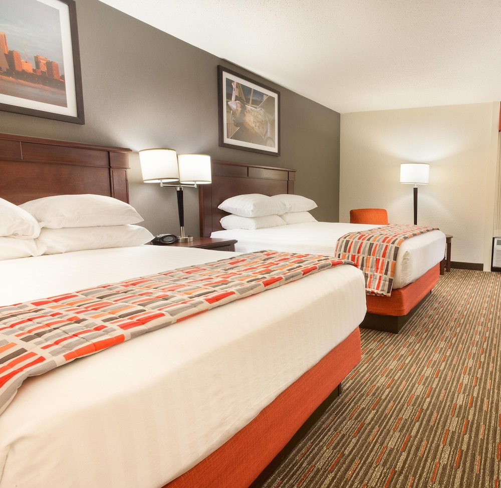 Room, Drury Inn & Suites St. Louis Airport