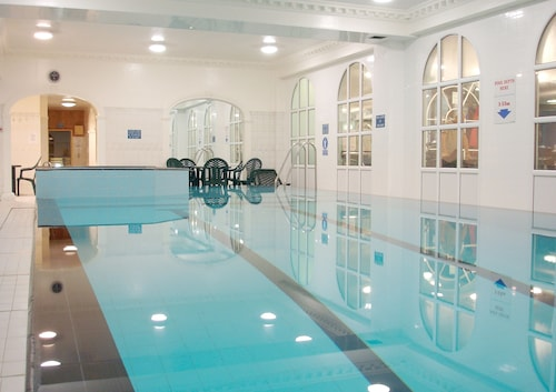 Britannia sachas hotel manchester gbr expedia Hotels with swimming pools manchester