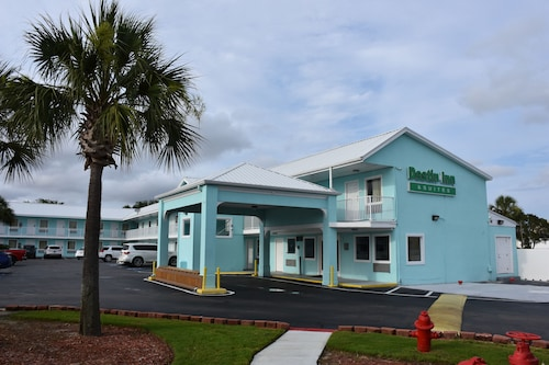 Destin Inn and Suites