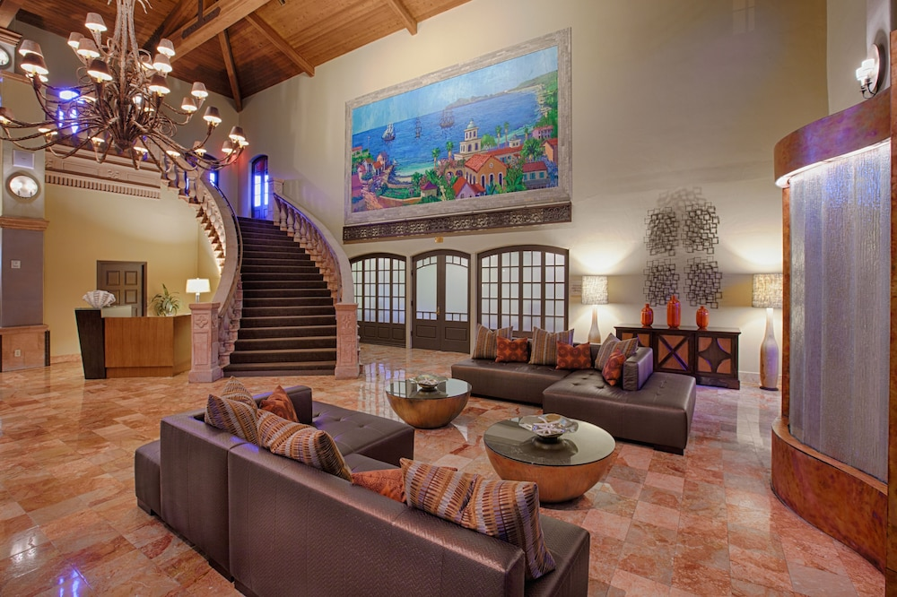 Oxnard Hotels Suites