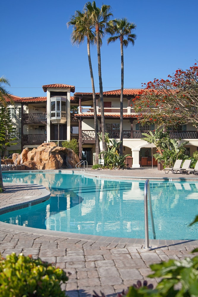 Mandalay Beach Hotel Ventura