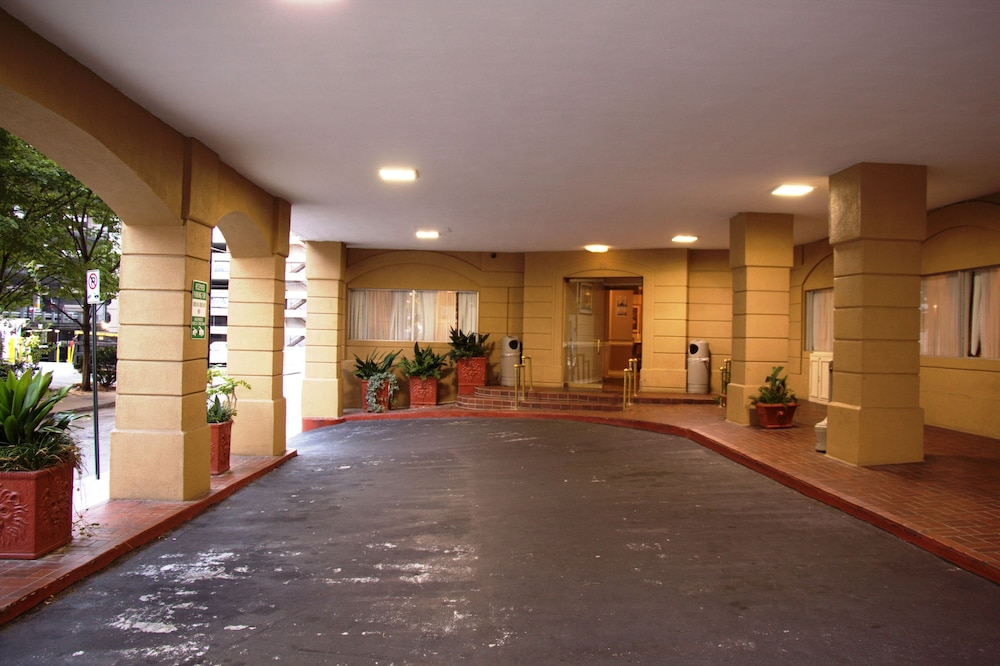barclay hotel atlanta downtown atlanta 2019 room prices. Black Bedroom Furniture Sets. Home Design Ideas