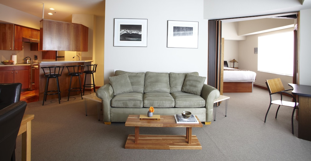 Living Area, Squaw Valley Lodge