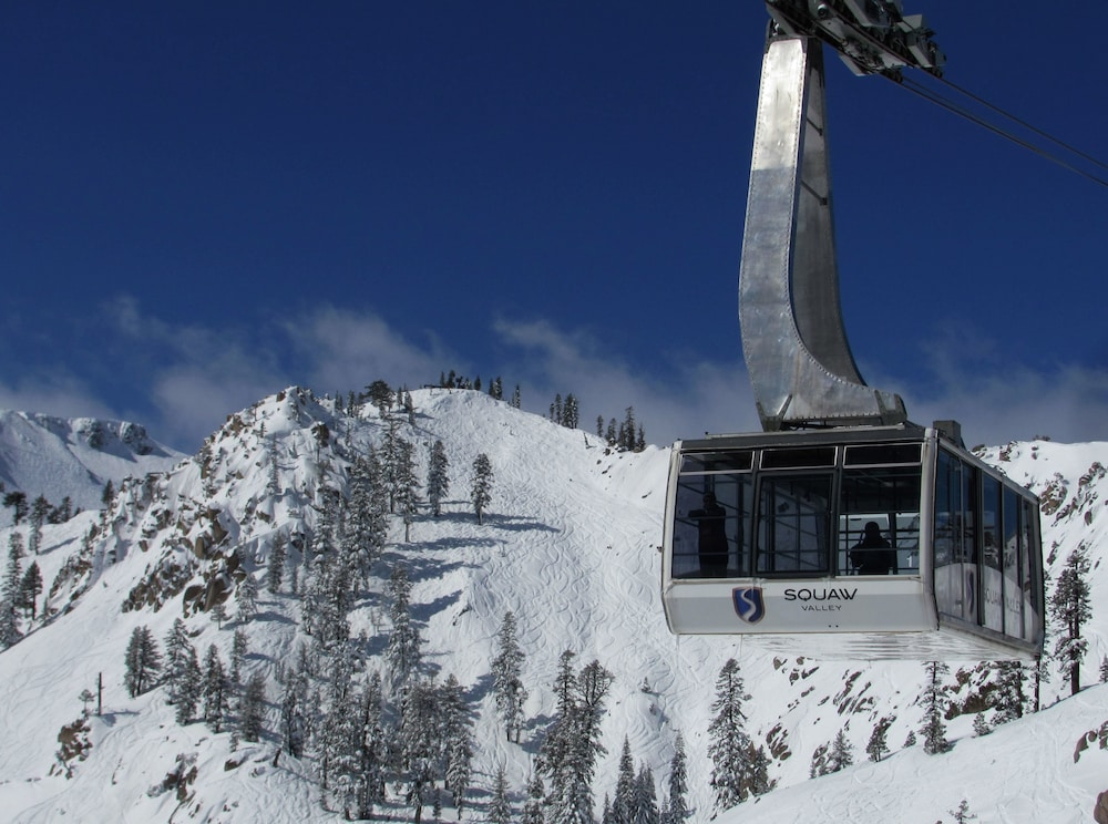 Snow and Ski Sports, Squaw Valley Lodge