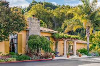 Inn Marin and Suites, an Ascend Hotel Collection Member