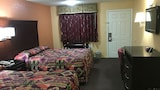 Redwood Inn and Suites - White Hall Hotels
