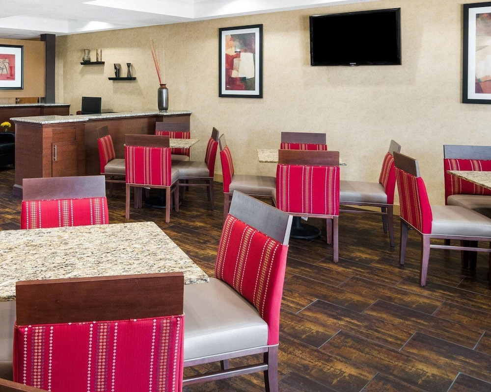 Breakfast Area, Comfort Suites Las Colinas Center