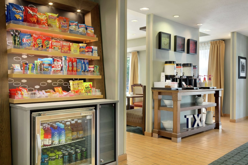 Snack Bar, Hampton Inn San Angelo