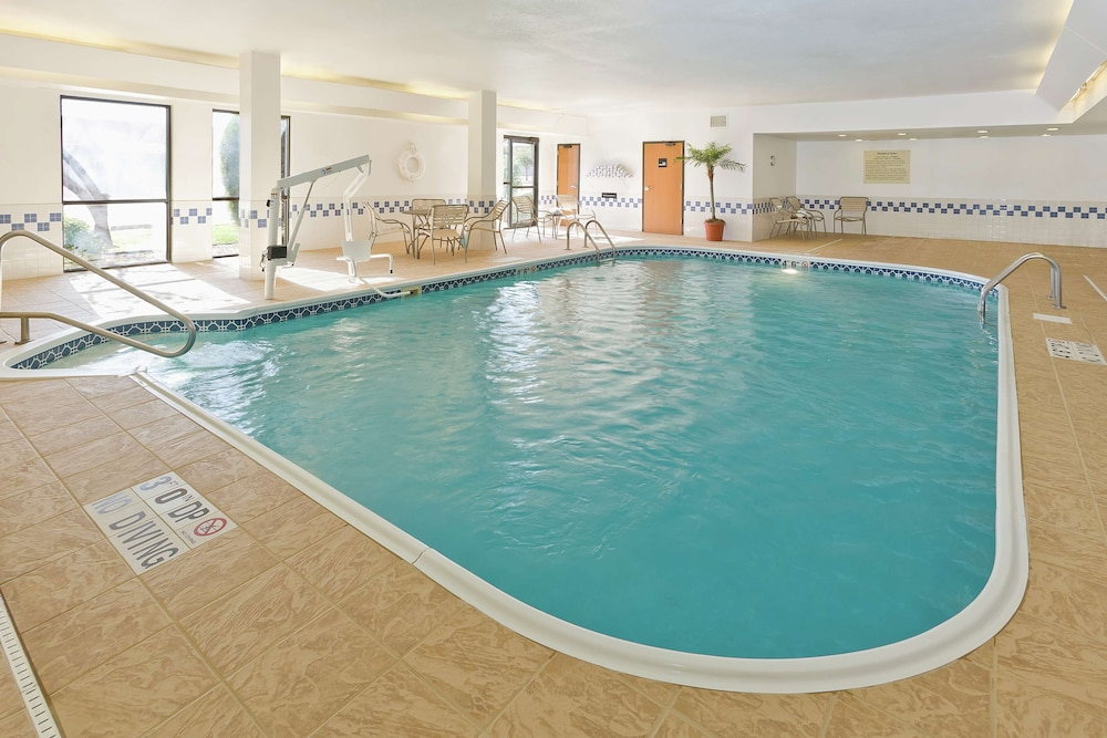 Pool, Hampton Inn San Angelo