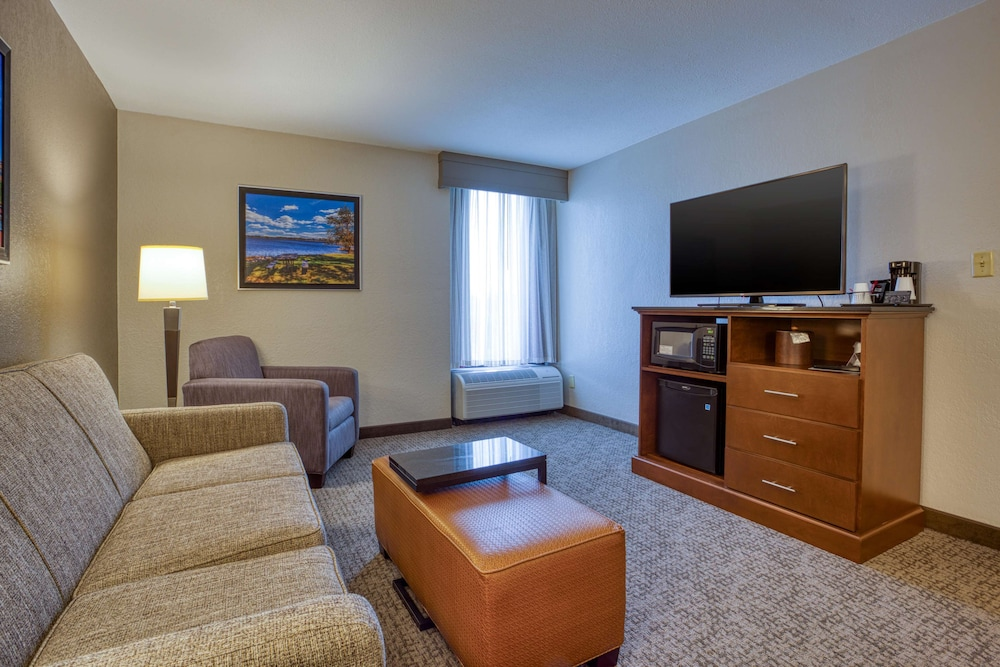 Room, Drury Inn & Suites St. Louis Fairview Heights