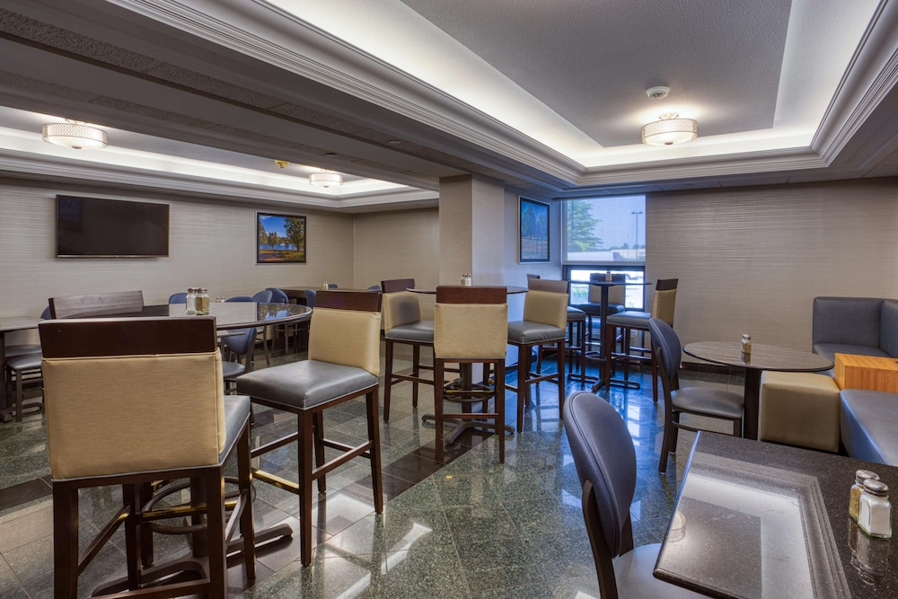Restaurant, Drury Inn & Suites St. Louis Fairview Heights
