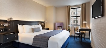 Deluxe Room, 1 King Bed (Newly Renovated) - Guestroom