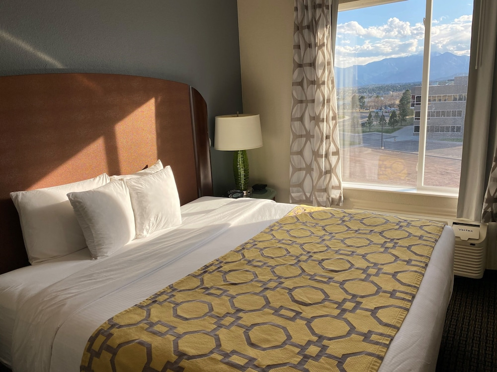 Mountain View, Baymont by Wyndham Colorado Springs