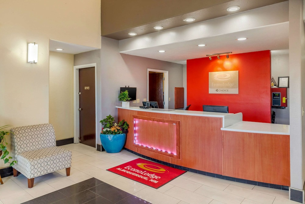 Lobby, Econo Lodge West - Coors Blvd