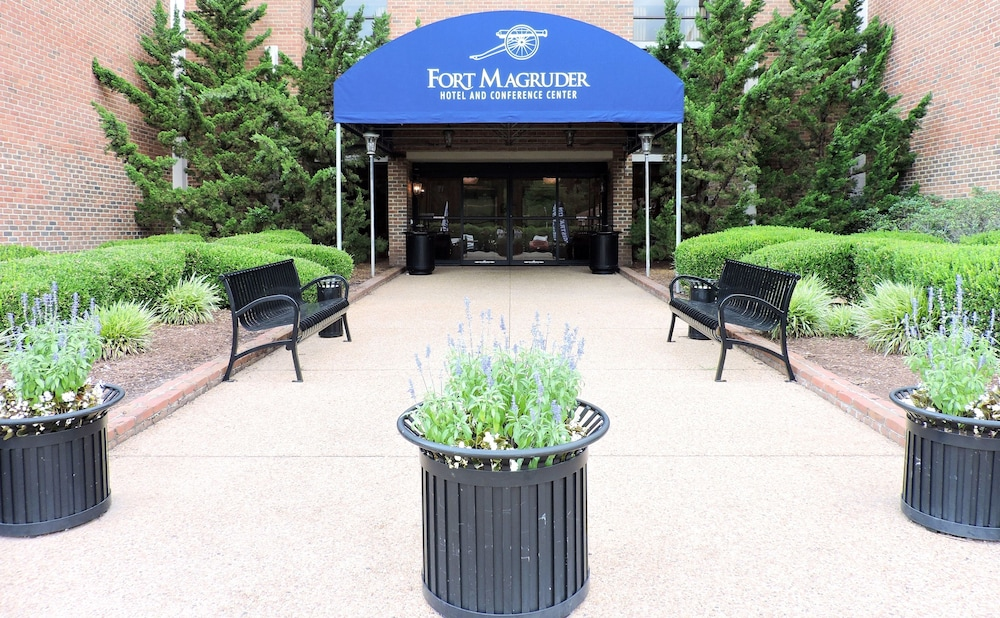 Interior Entrance, Fort Magruder Hotel Trademark Collection by Wyndham