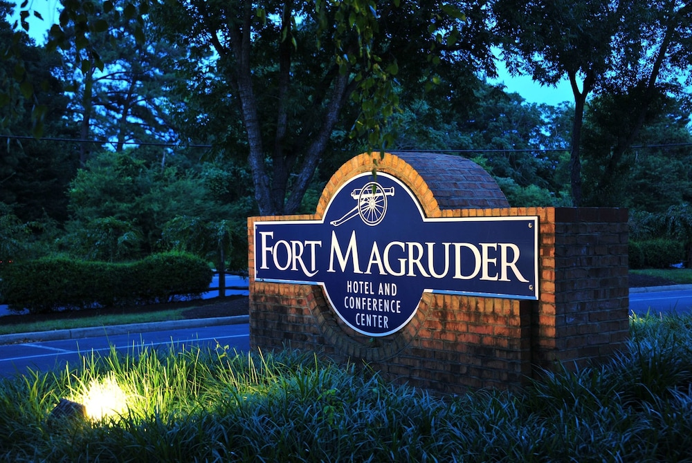 Exterior, Fort Magruder Hotel Trademark Collection by Wyndham
