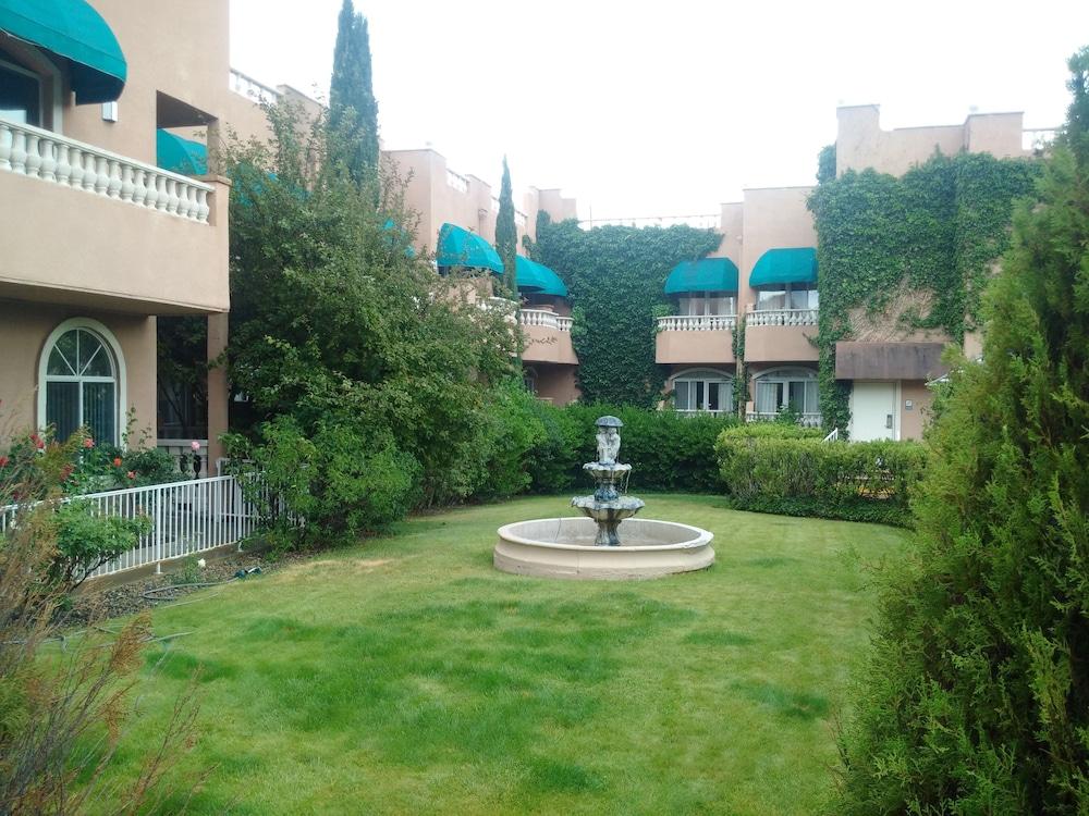 forest villas hotel prescott az 3645 lee circle 86301. Black Bedroom Furniture Sets. Home Design Ideas