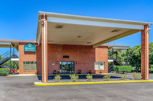 Quality Inn & Suites Creedmor - Butner