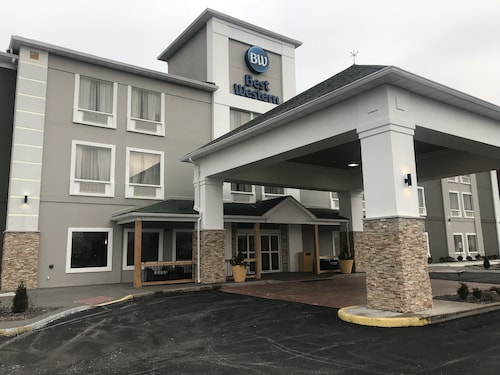 Great Place to stay Best Western O'Fallon Hotel near O'Fallon