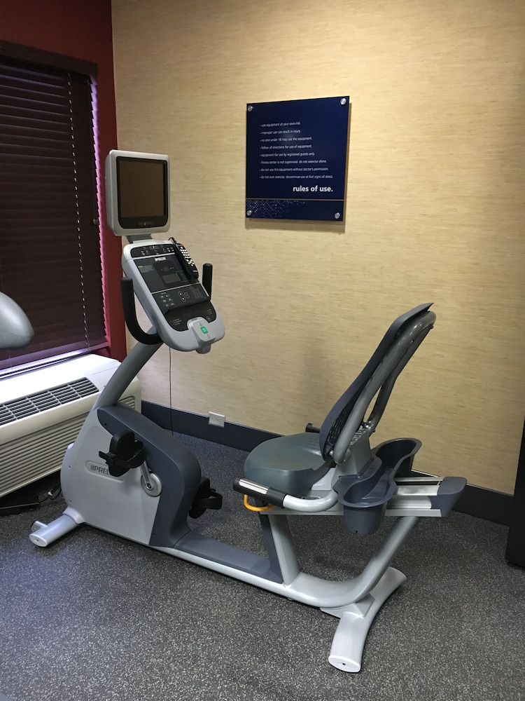 Fitness Facility, Hampton Inn Joliet I-80