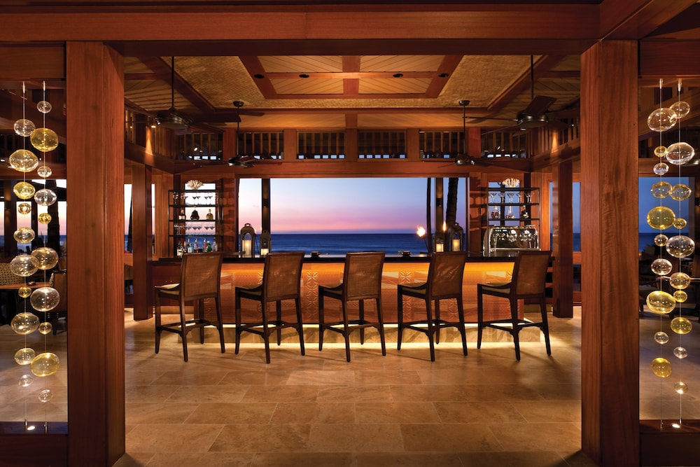 Bar, Four Seasons Resort Hualalai