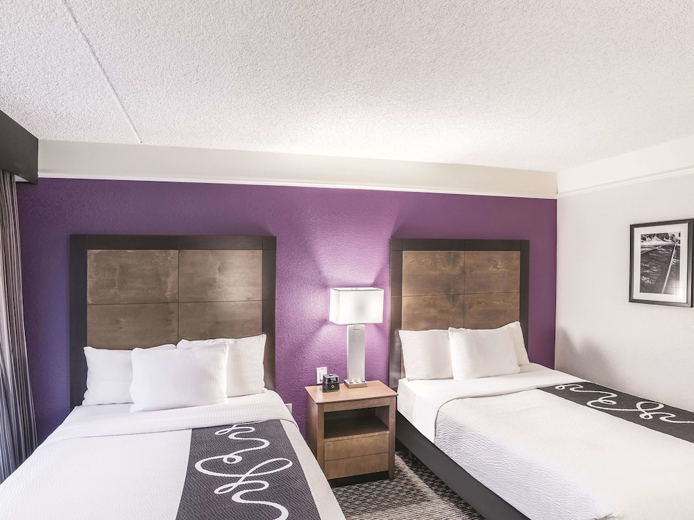 Room, La Quinta Inn & Suites by Wyndham Flagstaff