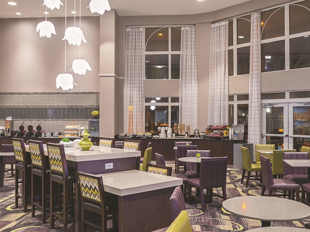 Dining, La Quinta Inn & Suites by Wyndham Flagstaff