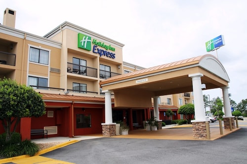 Check Expedia for Availability of Holiday Inn Express Tifton