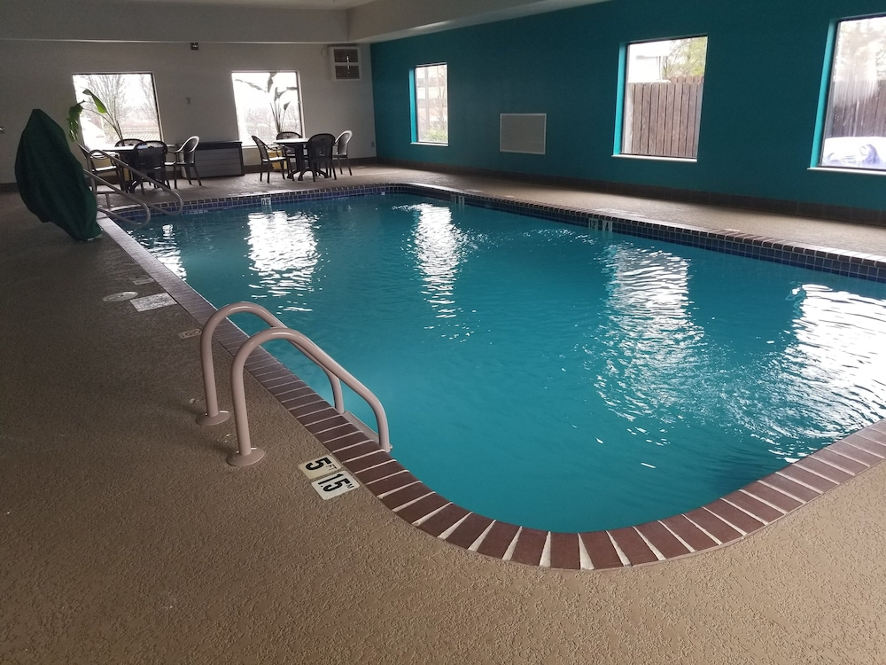 Indoor Pool, Hampton Inn St. Louis/Chesterfield