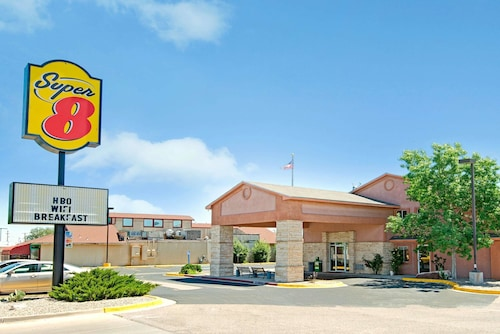 Super 8 by Wyndham Belen NM