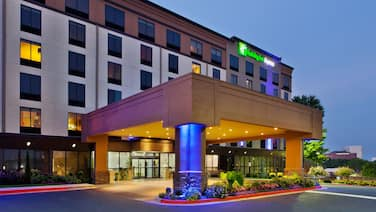 Holiday Inn Express Atlanta Galleria - Ballpark Area, an IHG Hotel