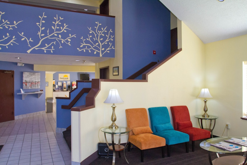 Interior Entrance, Days Inn by Wyndham Blue Springs