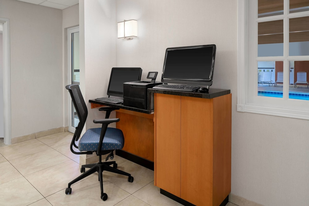 Business Center, Fairfield Inn and Suites by Marriott Denver Airport