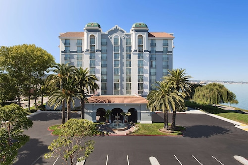 Embassy Suites by Hilton San Francisco Airport Waterfront
